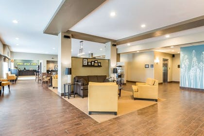 Hotel lobby | Sleep Inn & Suites West Des Moines near Jordan Creek