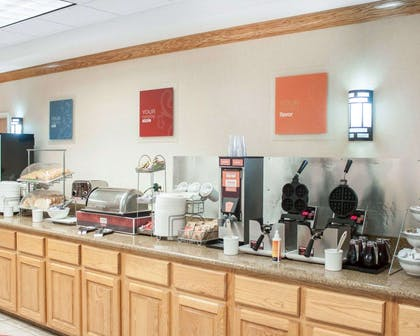 Free breakfast with waffles   Comfort Suites Airport