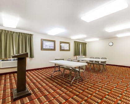 Meeting room | Quality Inn And Suites