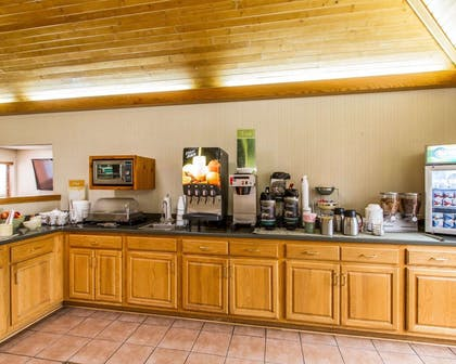 Free hot breakfast | Quality Inn And Suites