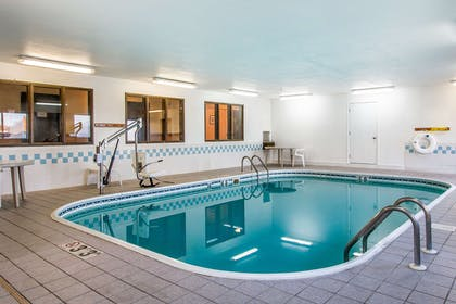 Indoor pool | Econo Lodge & Suites