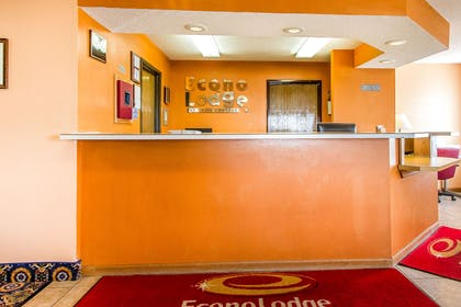 Hotel lobby | Econo Lodge & Suites
