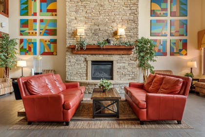 Spacious lobby with sitting area   Comfort Suites Springfield