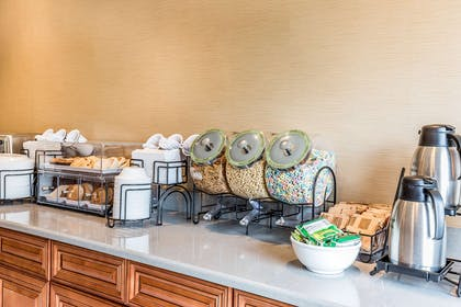 Assorted breakfast items | Comfort Inn Romeoville - Bolingbrook
