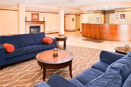Spacious lobby with sitting area   Comfort Suites Mount Vernon