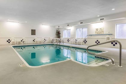 Indoor pool | Comfort Inn & Suites Quad Cities - East Moline