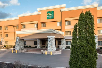 Quality Inn in Hoffman-Estates, IL | Quality Inn