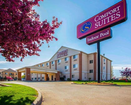 Hotel exterior | Comfort Suites Normal University area