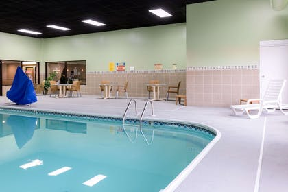 Indoor pool | Comfort Inn Collinsville