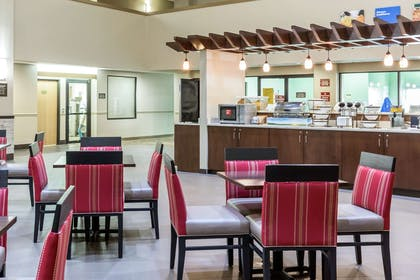 Breakfast area | Comfort Inn Collinsville