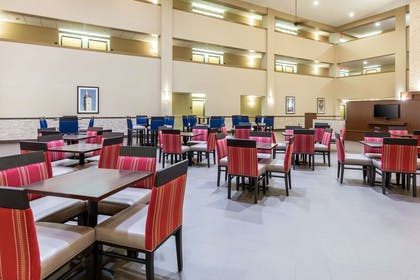 Spacious breakfast area | Comfort Inn Collinsville