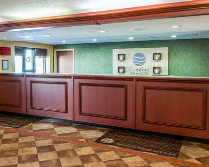 Front desk | Comfort Inn & Suites North at the Pyramids