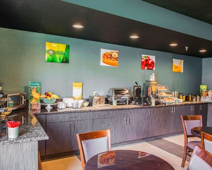 Hot and cold breakfast buffet | Quality Inn Franklin I-65