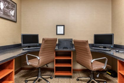 Computer in the lobby | Comfort Suites West Indianapolis - Brownsburg