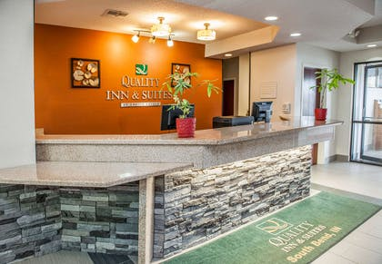 Front desk with friendly staff | Quality Inn & Suites South Bend