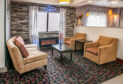 Lobby | Quality Inn & Suites South Bend