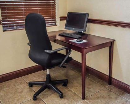 Business center with high-speed Internet access | Quality Suites