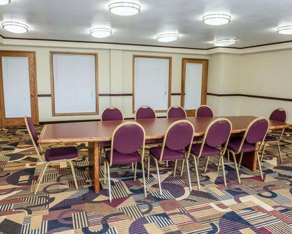 Meeting room | Quality Inn & Suites Greenfield I-70