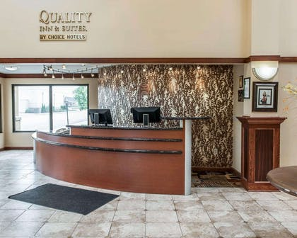 Hotel lobby | Quality Inn & Suites Greenfield I-70