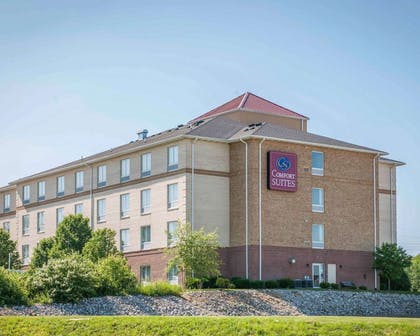 Hotel exterior | Comfort Suites Southport