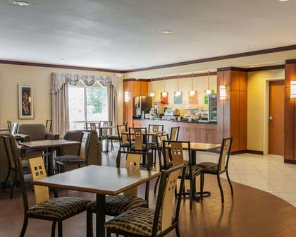 Free full breakfast | Comfort Suites Southport