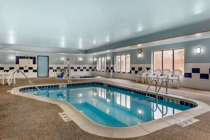 Indoor pool | Comfort Suites South
