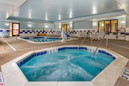 Indoor pool with hot tub | Comfort Suites South