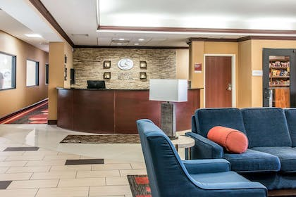 Hotel lobby | Comfort Suites University Area - South