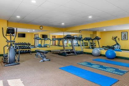 Fitness center | Quality Inn & Suites Bedford West