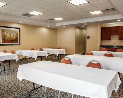 Meeting room | Comfort Suites near Indianapolis Airport