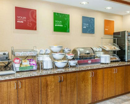 Free hot breakfast | Comfort Suites French Lick