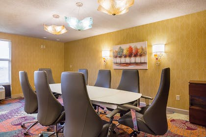 Conference Room | Clarion Inn & Suites