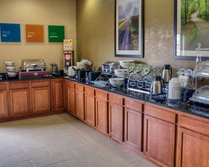 Breakfast counter | Comfort Suites