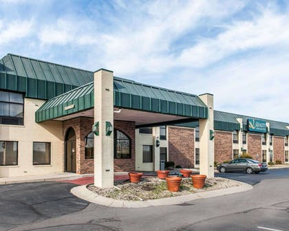 Quality Inn & Suites hotel in Shelbyville, IN | Quality Inn & Suites Shelbyville I-74
