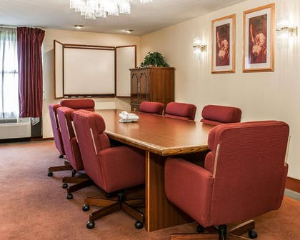 Conference room | Quality Inn & Suites Shelbyville I-74