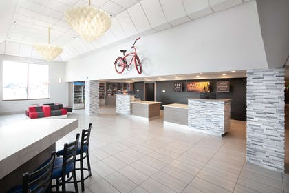 Lobby | Red Lion Inn & Suites Boise Airport