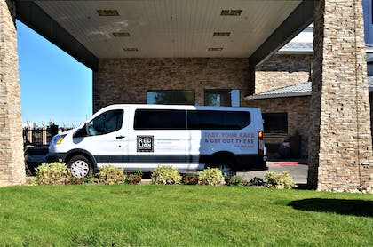 Complimentary Shuttle | Red Lion Inn & Suites Boise Airport