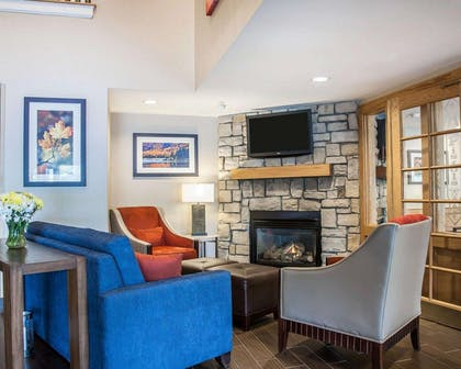 Lobby with sitting area   Comfort Inn & Suites