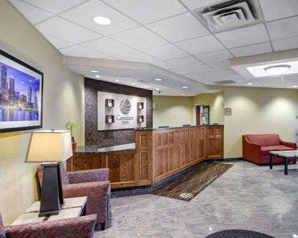 Front desk with friendly staff | Comfort Inn Woburn