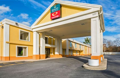 Hotel entrance | Quality Inn & Suites