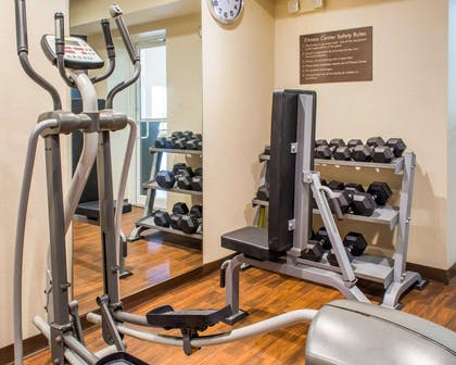 Fitness center | Comfort Suites Waldorf