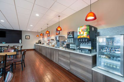 Breakfast area | Gateway Hotel & Suites, an Ascend Hotel Collection Member