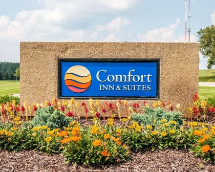 Hotel entrance | Comfort Inn & Suites and Conference Center