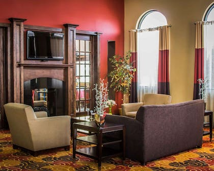 Lobby with sitting area | Quality Inn & Suites