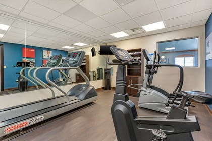 Exercise room | Comfort Suites Southgate