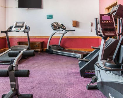 Exercise room | Clarion Hotel Beachfront