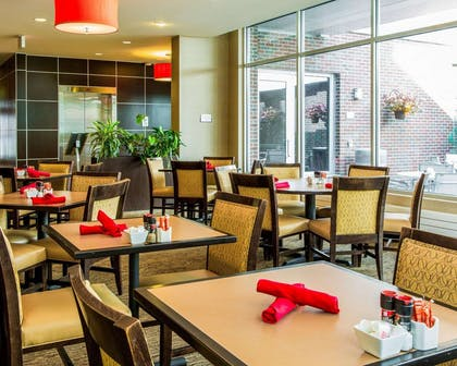 The Reflect dinner menu ranges from burgers to crab cakes plus Cheesecake Factory desserts and a full-service bar | Cambria Hotel Traverse City