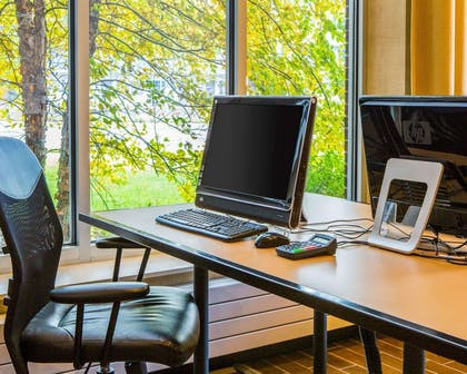 Business center with high-speed Internet access | Cambria Hotel Traverse City