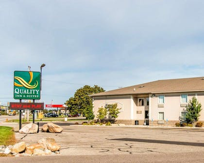 Quality Inn and Suites Next to the Casino hotel in Battle Creek, MI | Quality Inn & Suites Next to the Casino