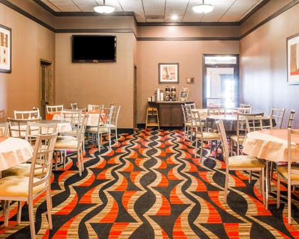 Spacious breakfast area | Quality Inn & Suites Next to the Casino